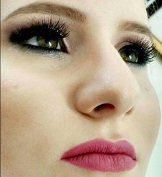 Maquiagem /por Evelin Sales Cordeiro