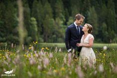 Hochzeit Lisa Alm Flachau – Lisa & Rob - Foto Sulzer Blog Wedding Mood Board, Contrast, Lisa, Couples, Wedding Dresses, Nature, Pictures, Wedding Photography, Engagement