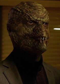 Grimm - Skalenzahne are crocodile-like Wesen, and are peaceful, but can become barbaric once tasting flesh. First seen in season one's episode 'Last Grimm Standing. Grimm Tv Series, Grimm Tv Show, Scary Makeup, Sfx Makeup, Nbc Grimm, Nick Burkhardt, Oh The Humanity, Modern Magic, Creepy Photos