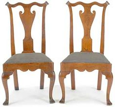 Pair of Pennsylvania Queen Anne walnut dining chairs, circa 1760
