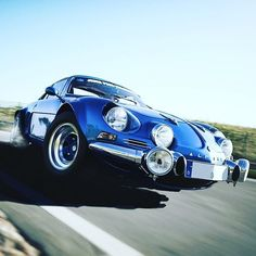 Classic Sports Cars, Classic Cars, Classic Auto, Megane Rs, Alpine Renault, Car Images, Car Photography, Car Wallpapers, Courses