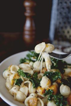 ORECCHIETTE CACIO E PEPE WITH ROASTED SQUASH, KALE + BURRATA - The Kitchy Kitchen
