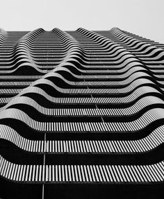 Undulating patterns in architecture with graphic line