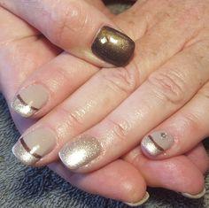 nails, accent nail, gelish, shellac, gellac, nail art, cream, coffee, beige, shimmer, bronza, diamantes, french