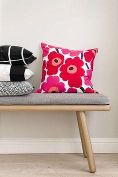 Marimekko fabrics always make me smile. Red And Pink, Pink White, Cushion Covers, Pillow Covers, Marimekko Fabric, Dinosaur Design, Scandi Style, Home Collections, Cushions