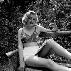WHASSSUP... Marilyn Monroe: Early Photos of the Young Actress in 1950 - LIFE