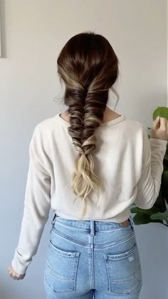 How to: Faux Fishtail Braid Faux Fishtail Braid tutorial. Easy hairstyle using my LuxyHair extension Braided Hairstyles For Black Women Cornrows, Girl Hairstyles, Braid Hairstyles For Long Hair, Camping Hairstyles, Fishtail Braid Hairstyles, Easy Hairstyles For Long Hair, Spring Hairstyles, Party Hairstyles, Protective Hairstyles
