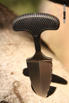 Cold Steel Best Pal Push Dagger, 50/50 Edge, 43XLS. Cold Steel has been singing the praises of high quality push knives for over 20 years. A well-made push knife is a surprisingly versatile and useful everyday utility tool.  http://www.osograndeknives.com/store/catalog/fixed-blade-push-knives/cold-steel-best-pal-push-dagger-5050-edge-43xls-24325.html