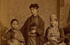 Great pic of first Indian, Japanese & Syrian women to get a medicine degree in Pennsylvania, 1885