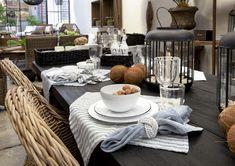 Diese hübsche Serviette mit einem dekorativen Streifenmuster verleiht Ihrem Esstisch das sommerliche Flair. Aus 100% Leinen.