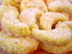 Semilune insiropate - imagine 1 mare Romanian Desserts, Romanian Food, Romanian Recipes, My Favorite Food, Favorite Recipes, Good Food, Yummy Food, Sweet Recipes, Macarons
