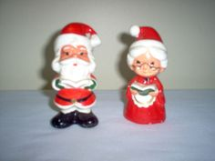 PAIR Vintage LEFTON Caroling SANTA & MRS. CLAUS Salt & Pepper SHAKERS