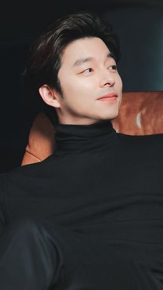 Nothing is better than a handsome asian guy in a black turtle neck. Korean Men, Asian Men, Asian Actors, Korean Actors, Oppa Ya, Goblin Korean Drama, Yoo Gong, Gong Yoo Smile, Look Alike