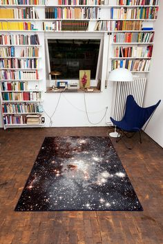Die Teppiche kosten leider ein paar tausen Euro, sonst hätt ich schon längst meine Wohnung damit ausgelegt so gut gefällt mir das design!  Galaxy rugs – the universe at your feet