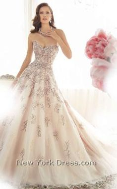 Infuse your wedding day with a wonderful vintage vibe in this gorgeous gown by Sophia Tolli Y11576. The formfitting bodice features a romantic, strapless sweetheart
