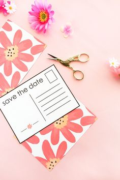 DIY Floral Save The Date Postcards - Planning a wedding? Make your own Save The Date notices with this tutorial on Maritza Lisa. Click through to make your own!