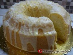 Fluffy eggless, milkless and butter less cake Greek Sweets, Greek Desserts, Vegan Desserts, Delicious Desserts, Greek Recipes, Easter Recipes, Sweets Recipes, Cake Recipes, Cupcakes