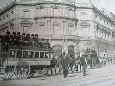 Desde el Palacio de Linares a la Plaza de Toros de Madrid, Portal Fuenterrebollo