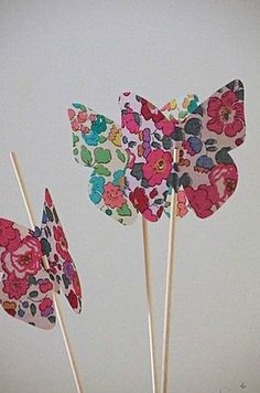 Butterfly cake decorations All Betsy classic tana lawn - use pinks and purples Butterfly Cakes, Butterfly Decorations, Cake Decorations, Butterflies, Liberty Fabric, Liberty Print, Decoration Communion, Deco Dyi, Cumple My Little Pony