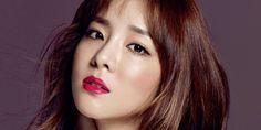Dara says she was devastated and depressed after 2NE1's disbandment http://www.allkpop.com/article/2017/01/dara-says-she-was-devastated-and-depressed-after-2ne1s-disbandment