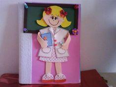 Se você quer encapar um caderno de receitas ou enfeitar os cadernos de sua filha, você pode utilizar um dos 10 moldes de EVA para cadernos que estamos