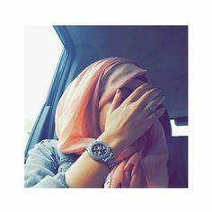 Cute Girl Poses, Girl Photo Poses, Girl Photos, Girl Pictures, Hijabi Girl, Girl Hijab, Hijab Outfit, Stylish Girls Photos, Stylish Girl Pic