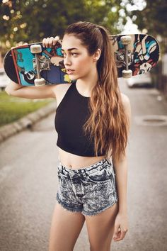 she acts for Emily in turkey to reflect the original identity of Emily. Curvy Celebrities, Celebs, Turkish Fashion, Barbara Palvin, Best Series, Cute Relationships, Turkish Actors, Face Claims, Favorite Person
