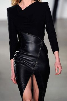 Seductive leather created sex-appeal on the 3d Fashion, Gothic Fashion, Leather Fashion, High Fashion, Womens Fashion, Fashion Design, Fashion Trends, Looks Style, My Style