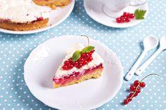 Koláče z plechu s letním ovocem milují děti i dospělí. A protože je sezóna rybízu, vybrali jsme tentokrát sto let starý recept z pera populární kuchařky Marie Janků Sandtnerové na jednoduchý, ale lahodný koláč, který se doslova rozplývá na jazyku. #recept #kolac #rybiz #ovoce #peceni #sandtnerova #sezona #leto #recipe #bake #cake #sandtner #cookbook #fruit #currants French Toast, Pancakes, Pudding, Treats, Baking, Breakfast, Sweet, Sweet Like Candy, Morning Coffee
