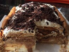Torta helada de vainillas Receta de mariela_avero - Cookpad Tapas, Chocolate, Tiramisu, Ethnic Recipes, Food, Bedroom, Muffin Pans, Sweet Desserts, Cookies