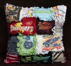 T-Shirt Rag Quilt Pillow - Another AWESOME idea to use up old t-shirts. Have a million pillows with lots of memories for the family room. Plus, using old t-shirts makes it washable. by janice chapel Diy Projects To Try, Crafts To Do, Craft Projects, Craft Ideas, Décor Ideas, Fabric Crafts, Sewing Crafts, Sewing Projects, Quilting Projects