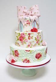 retro pattern/vintage cake