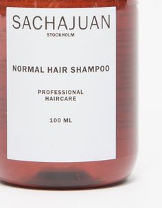 From SACHAJUAN, a powerfully formulated daily shampoo that rejuvenates dull hair and respects your natural hair oils. Featuring the brand's signature ocean silk technology derived from sea algae, this shampoo's combination of proteins and minerals is gent