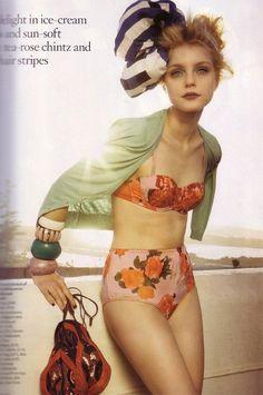 vintage style bathing suit....sun bathe in style :)