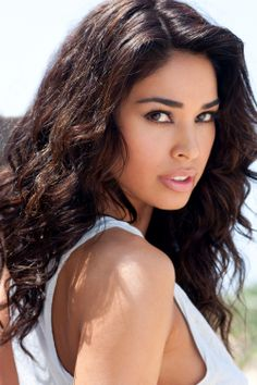 Maria Arce guest stars as the love interest of Josh Segarra in a comedy revolving around a group of errant warrant detectives in the Bronx assigned to arrest individuals with outstanding warrants. With bonuses paid out for each body they bring in, the detectives are out to get rich rather than dole out justice. Executive producer -- Denis Leary