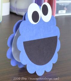 Cookie monster invites...wished I saw these a month ago.. so easy and so cute