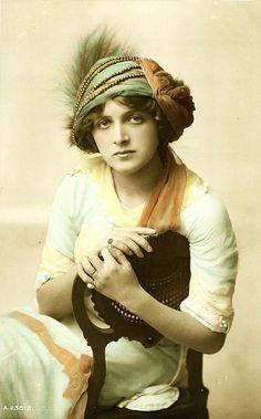 Gladys Cooper, 1910s