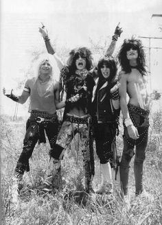 You know I'm a dreamer, but my heart's of gold Mötley Crüe