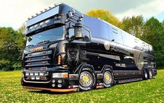 SCANIA TopLine heavy motor home,  nice.  I would love to build  this.  Need to fine a 5 pound gold nugget,  for that.  Lol  some day ☺