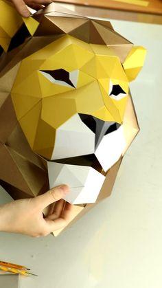 Cool Paper Crafts, Paper Crafts Origami, Cardboard Crafts, Diy Paper, Paper Craft Templates, Cardboard Mask, Paper Wall Art, Cardboard Paper, Origami Wall Art