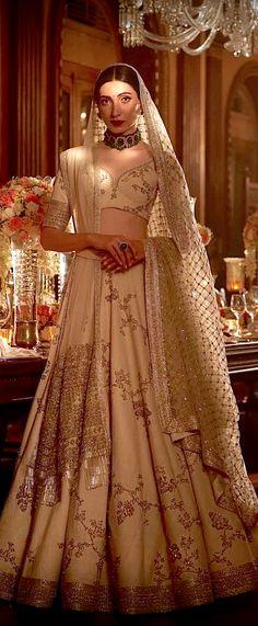 Indian bridal suits sabyasachi ideas for 2019 Indian Bridal Outfits, Indian Bridal Lehenga, Indian Bridal Fashion, Pakistani Outfits, Indian Dresses, Bridal Dresses, Indian Clothes, Lehenga Collection, Lehenga Designs