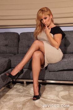 136 Beste Afbeeldingen Van Horney Office Girls In 2018 Nice Asses Sexy Legs En Mini Skirts