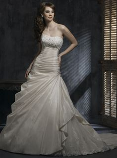 Maggie Sottero 'Colette' wedding dress