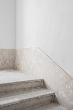 Santa Clara 1728 is a minimalist architecture project located in Lison, Portugal, designed by Aires Mateus Santa Clara, Minimalist Architecture, Architecture Details, Interior Architecture, Staircase Handrail, Staircase Design, Modern Interior, Interior Design, Stone Stairs