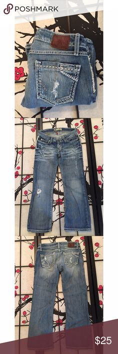 BKE Stella Stretch Cropped Jeans Measurements - Waist 15in / Inseam 26in / Length 33in In beautiful condition! Buckle Jeans Ankle & Cropped