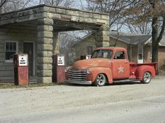 Ole Sarge built 49 by gas station Gmc Pickup Trucks, Vintage Pickup Trucks, Old Trucks, Chevrolet 3100, Chevrolet Trucks, 1952 Chevy Truck, Car Tv Shows, Chevy Pickups, Custom Trucks