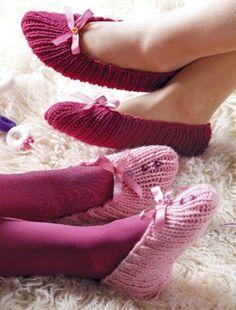 Billedresultat for strik dine egne vaskeklude Knitted Slippers, Slipper Socks, Knitting Projects, Leg Warmers, Pretty In Pink, Crochet, Shoes, Knits, Craft