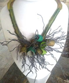 necklace with green silk cocoons Textile Jewelry, Fabric Jewelry, Beaded Jewelry, Fabric Beads, Fabric Ribbon, Handmade Necklaces, Handcrafted Jewelry, Magical Jewelry, Fabric Necklace