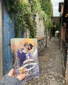 """BIBLIOPHILOVE on Instagram: """"Es bien sabido lo mucho que me gusta esta saga de fantasía ¿Ya la leyeron?. La verdad es que yo le tomé cariño desde el inicio y estoy…"""" Books, Painting, Instagram, Art, Truths, I Like You, Art Background, Libros, Book"""
