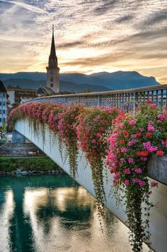 Sunset in Villach, Kärnten, Austria Contact your Travel Consultant to book a vacation Places Around The World, Oh The Places You'll Go, Travel Around The World, Cool Places To Visit, Places To Travel, Around The Worlds, Innsbruck, Wonderful Places, Beautiful Places